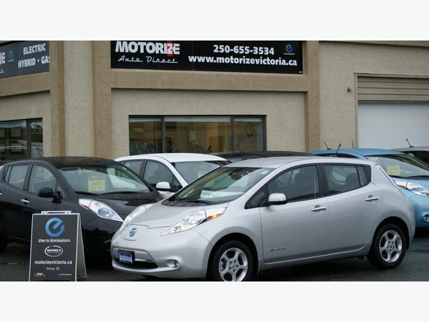 2014 Nissan LEAF SV - Quick Charge Pkg - Navigation/Bluetooth - M8518