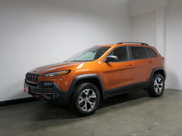 2015 jeep cherokee trailhawk navigation sunroof leather tow hitch victoria city victoria. Black Bedroom Furniture Sets. Home Design Ideas