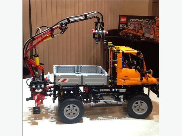 LEGO TECHNIC MERCEDES UNIMOG 8110