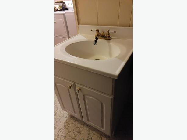 Brilliant Bathroom Vanity In Great Condition Comes With Sink Faucet And Mirror