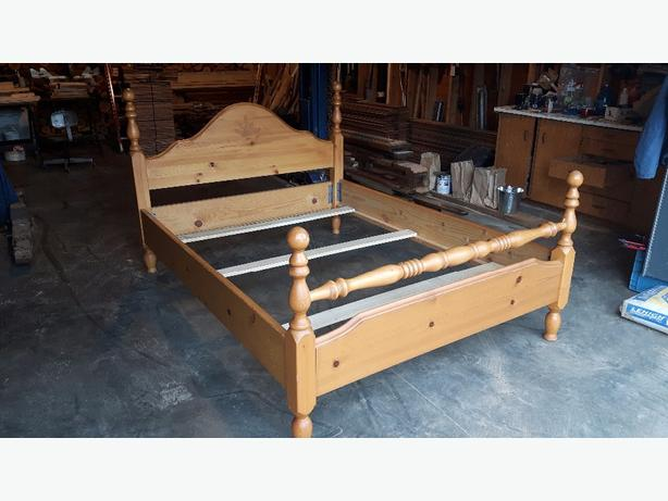 Nice pine wood queen bed frame duncan cowichan for Nice bed frames