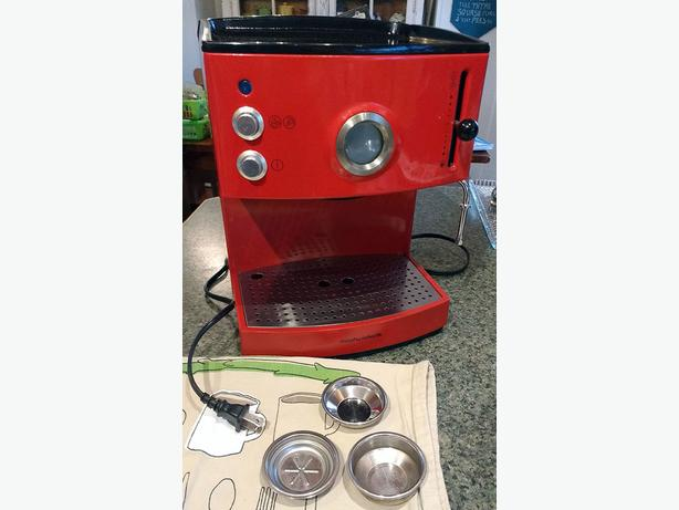 Morphy Richards Coffee Maker Model 47004 : Morphy Richards pump espresso maker Victoria City, Victoria - MOBILE
