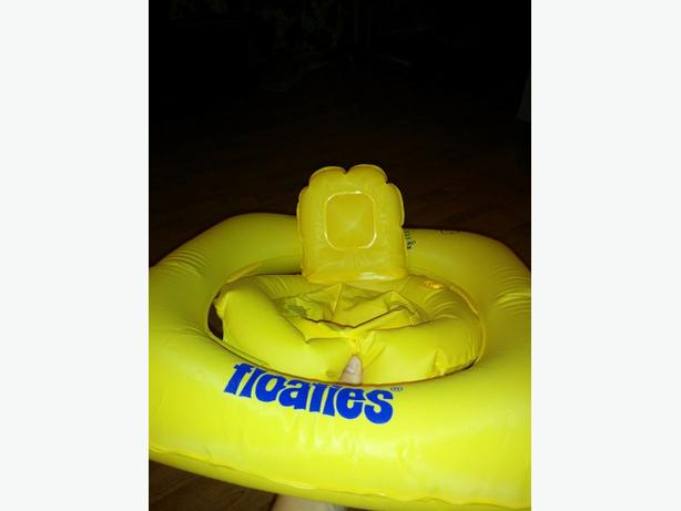 FREE: pool floatie