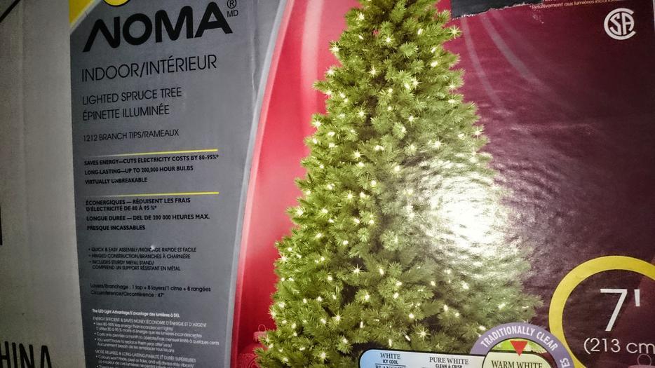 NOMA Pre-lit 7' Spruce Christmas Tree Victoria City, Victoria
