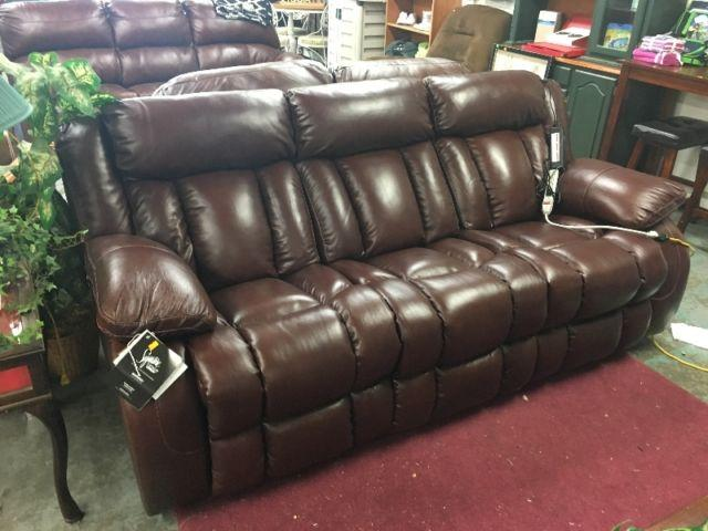 New Leather Reclining Sofas For Auction North Nanaimo