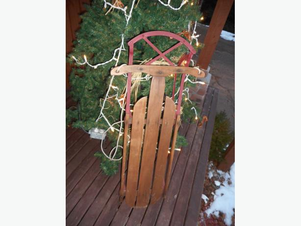 Antique hand sleigh -- nice condition