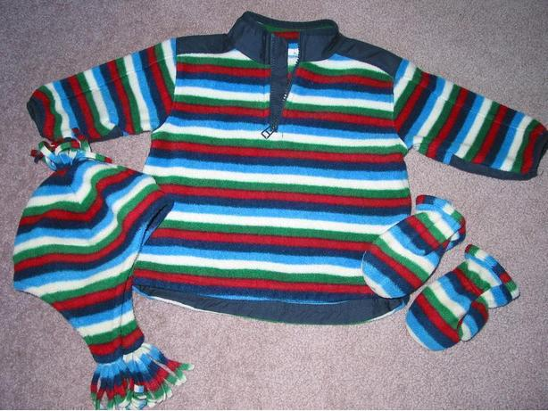 GAP sweater, hat and mittens size 12-18 mos