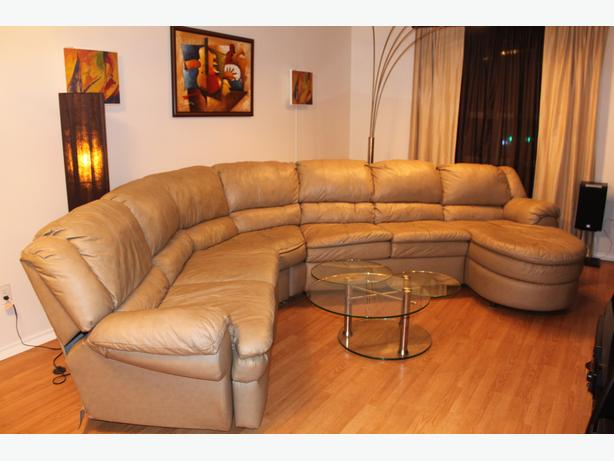 Leather sectional couch with chaise lounge and recliner for Chaise and recliner