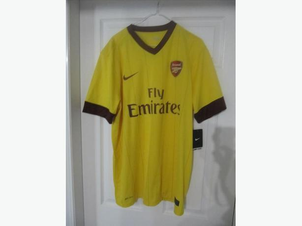 2010 Arsenal Nike Jersey.  Men's XL. BRAND NEW with tags