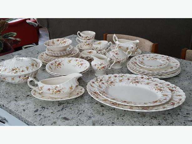 Vintage Myott Heritage China Dinnerware 40 Pieces