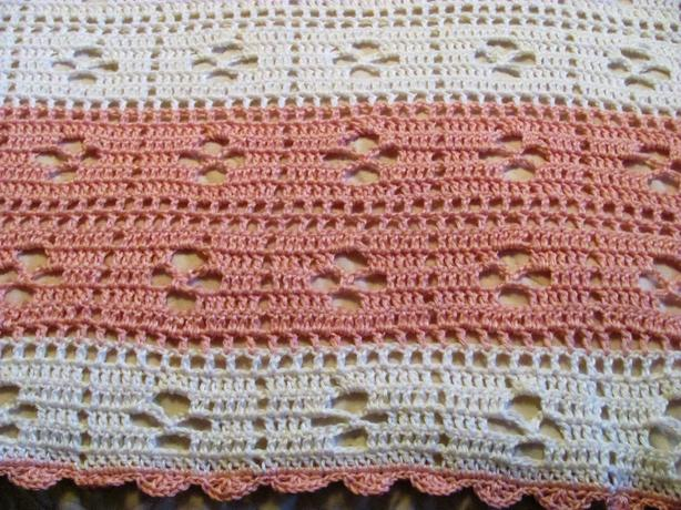 New crocheted baby blanket