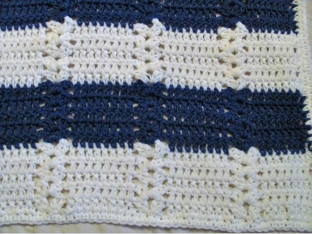 New crocheted baby blanket