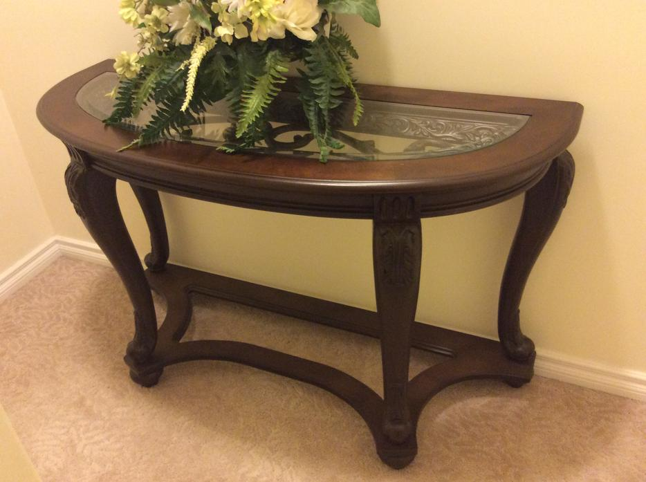 Luxury 4 pieces coffee table set east regina regina for Coffee tables regina