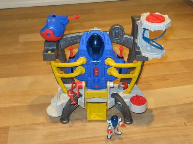 Fisher Price - Imaginext Alpha Explorer