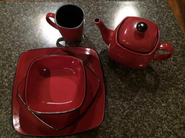 Red/Black dishes-CORELLE-Hearthstone stoneware Central Saanich, Victoria