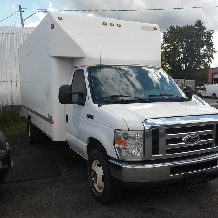 2009 Ford E450 Super Duty Moving/Delivery 822-7826 OUTSIDE