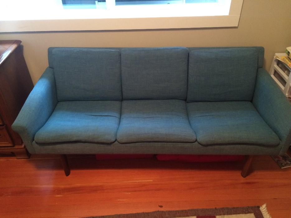 Mid century teak couch Victoria City Victoria : 56927460934 from www.usedvictoria.com size 934 x 700 jpeg 56kB
