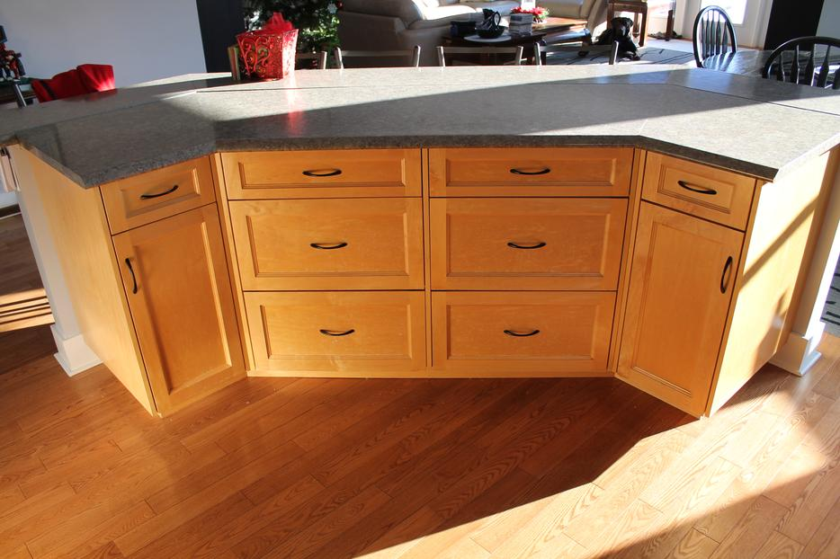 Complete used kitchen cabinets and appl malahat for Kitchen cabinets kamloops