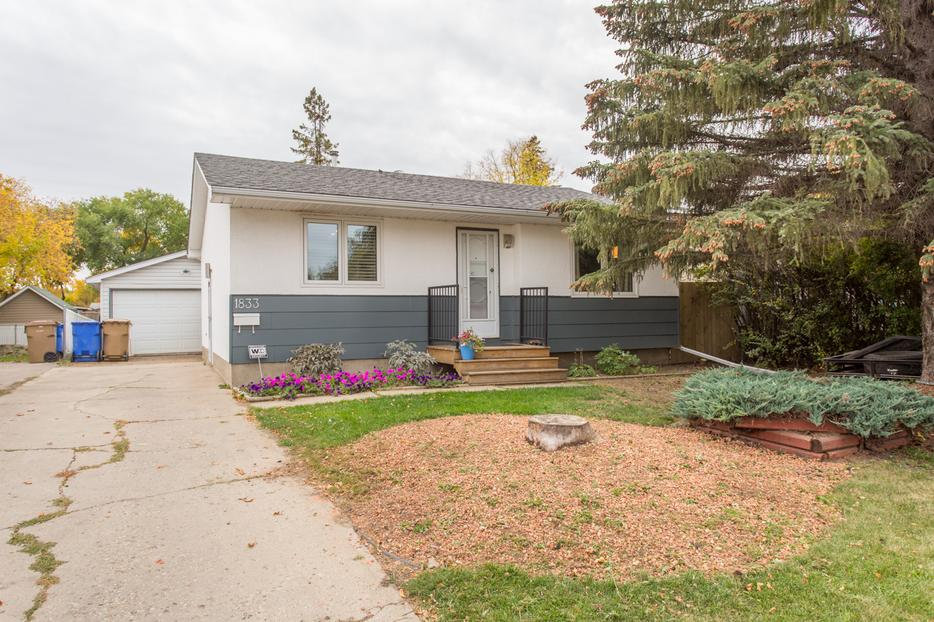 3 bedroom home in glencairn 1833 7th avenue e east for 7 summerland terrace
