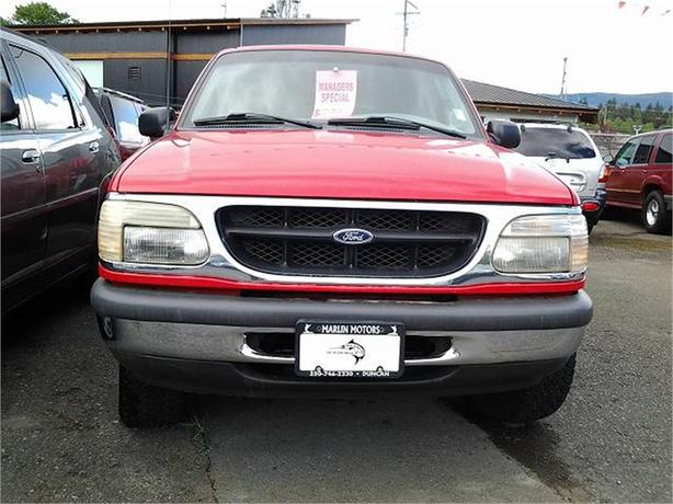 1998 Ford Explorer XL 4-Door 4WD