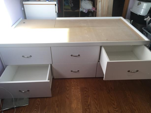Twin or double bed with matching dresser saanich victoria for Matching bed and dresser