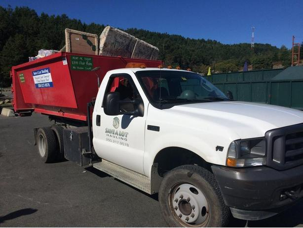 Discount ECO junk removal & Bins. Cleanup and Full Estate Specialists.