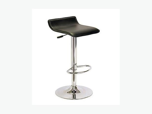 2 MATCHING WINSOME SINGLE AIRLIFT SWIVEL STOOL WITH BLACK FAUX LEATHER SEATS