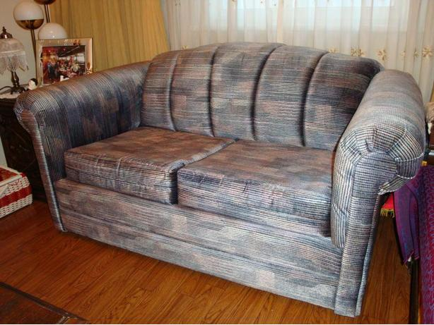 Hide-a-Bed/Love Seat