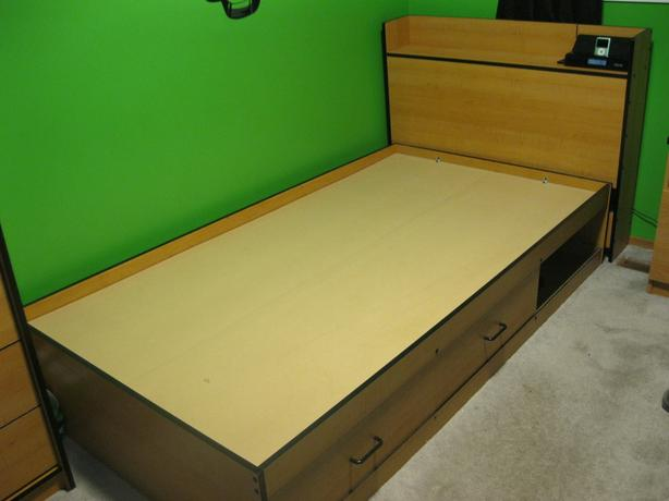 Bed With Head Board East Regina Regina Mobile