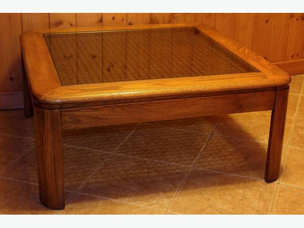 Gorgeous glass and wicker real wood coffee table north for Gorgeous glass coffee table