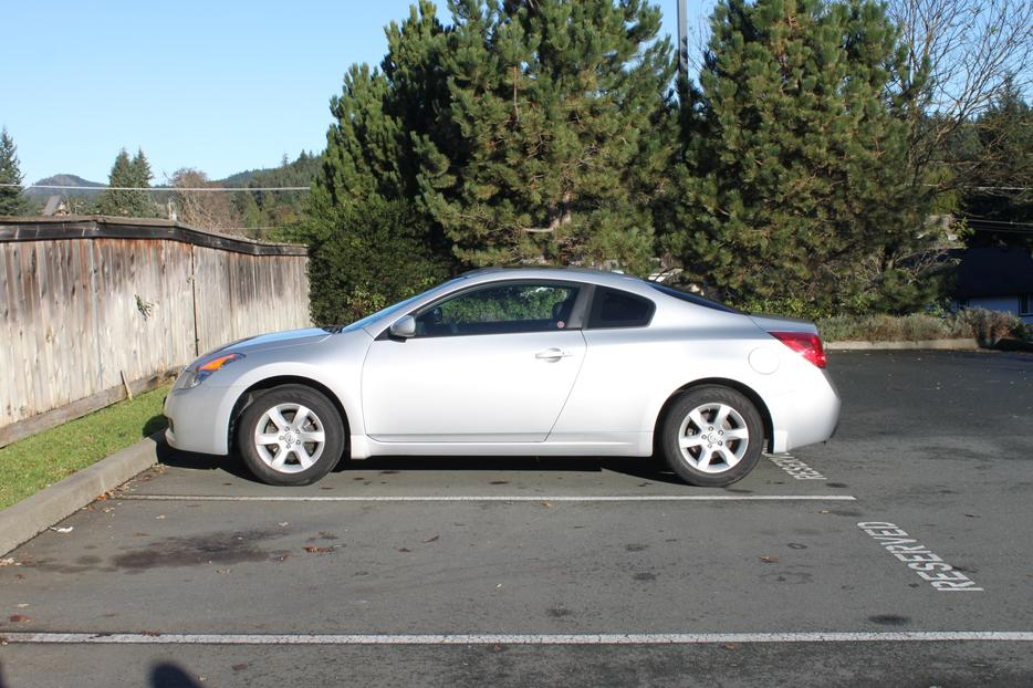 2008 Nissan Altima Coupe 2 5s West Shore Langford Colwood