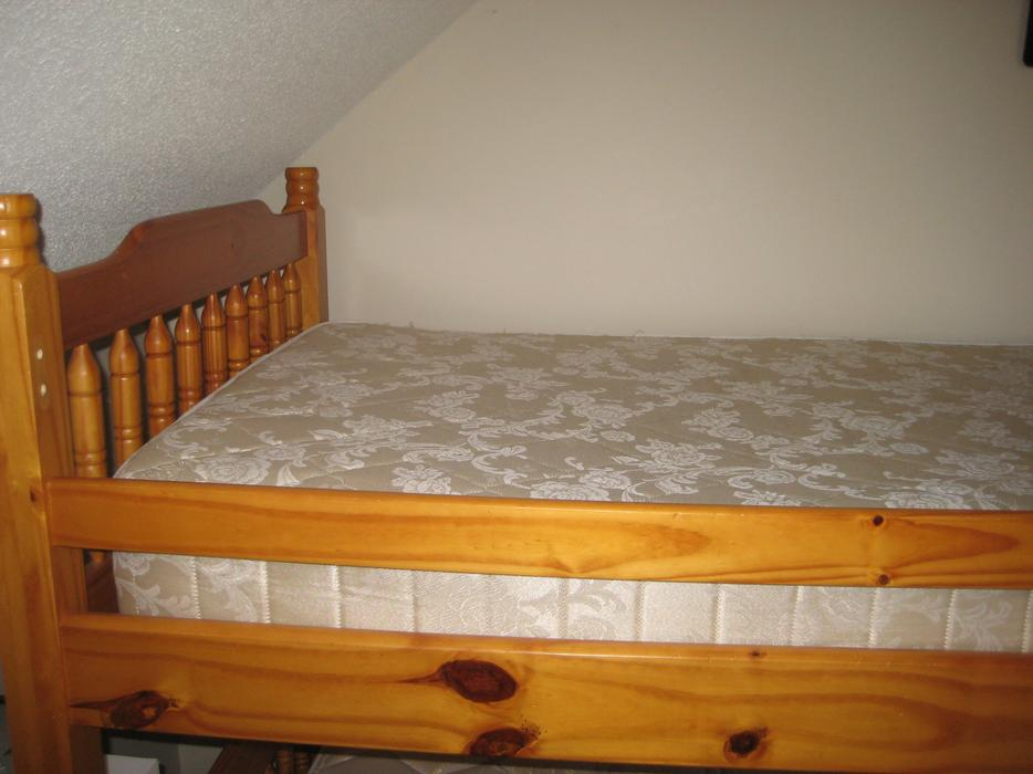 Twin Bunk Beds 1 Over 1 Or Stand Alone With Mattresses