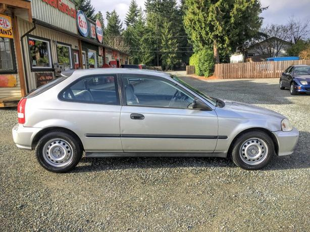 1999 honda civic two door hatchback auto low km outside nanaimo nanaimo mobile. Black Bedroom Furniture Sets. Home Design Ideas