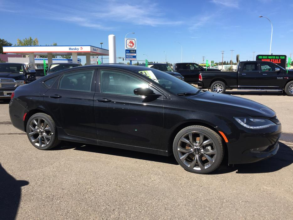 2016 Chrysler 200 Awd Stock C2550 Outside Calgary Area Calgary