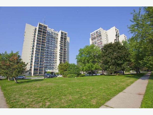 Avail. Jan  Nice  1 bedroom Oakville White Oaks Apartments