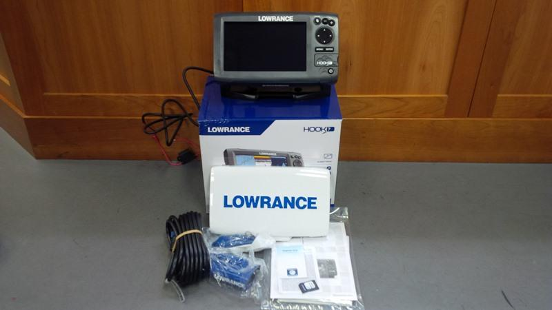 Lowrance Hook 7 Chartplotter Fish Finder Combo Canadian