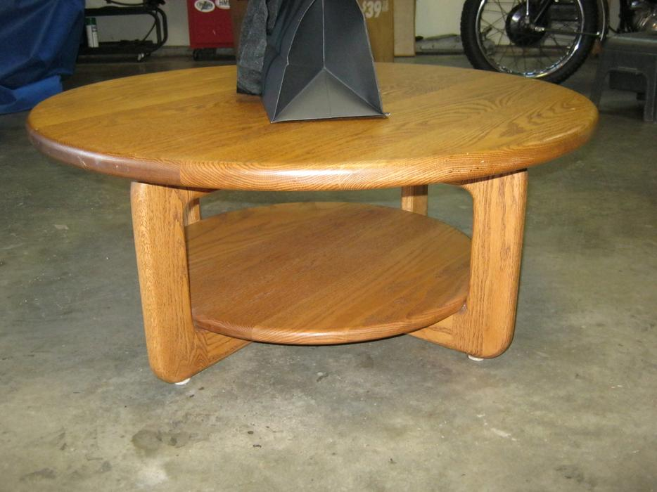 High quality solid wood coffee table only 150 north for Coffee tables kelowna