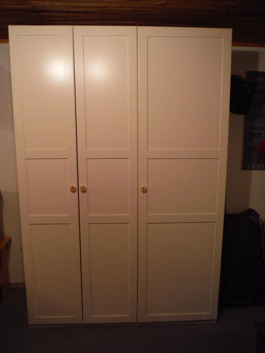 ikea botne wardrobe with 2 organizers armoire penderie ikea gatineau sector quebec gatineau. Black Bedroom Furniture Sets. Home Design Ideas