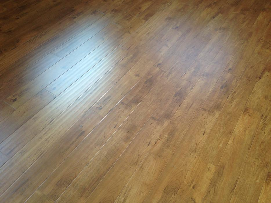 70 sqft of high end laminate flooring central saanich victoria. Black Bedroom Furniture Sets. Home Design Ideas