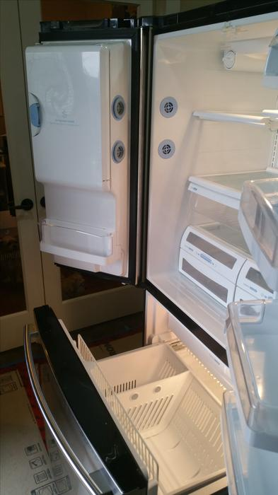 High Quality Lg Fridge In Excellent Condition Saanich