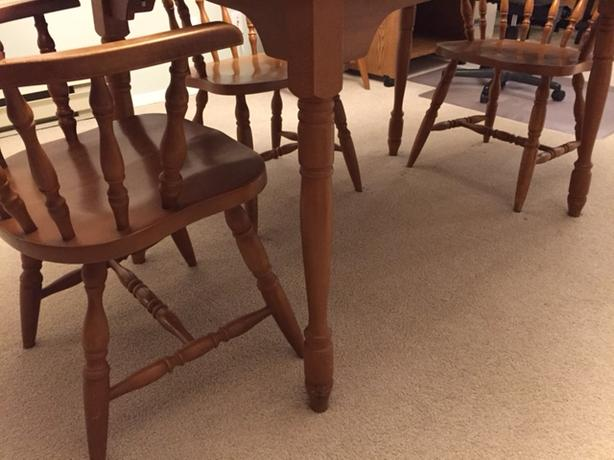 Colonial Dining Room Furniture: Colonial Dining Room Table And 5 Chairs Saanich, Victoria