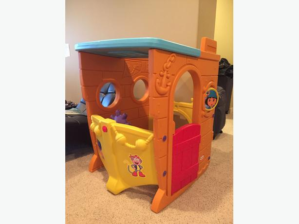 Dora & Diego Pirate Ship Playhouse
