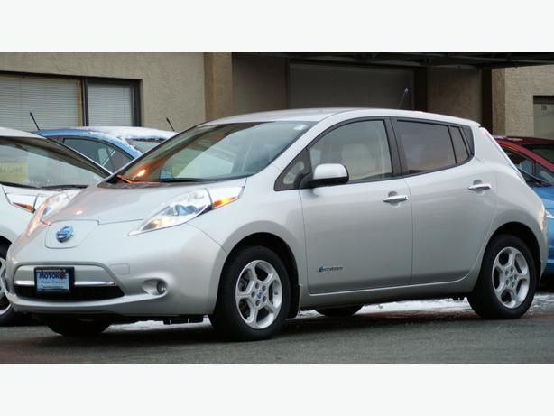 2013 Nissan LEAF SV - Quick Charge Pkg - Bose & Around View - M8552