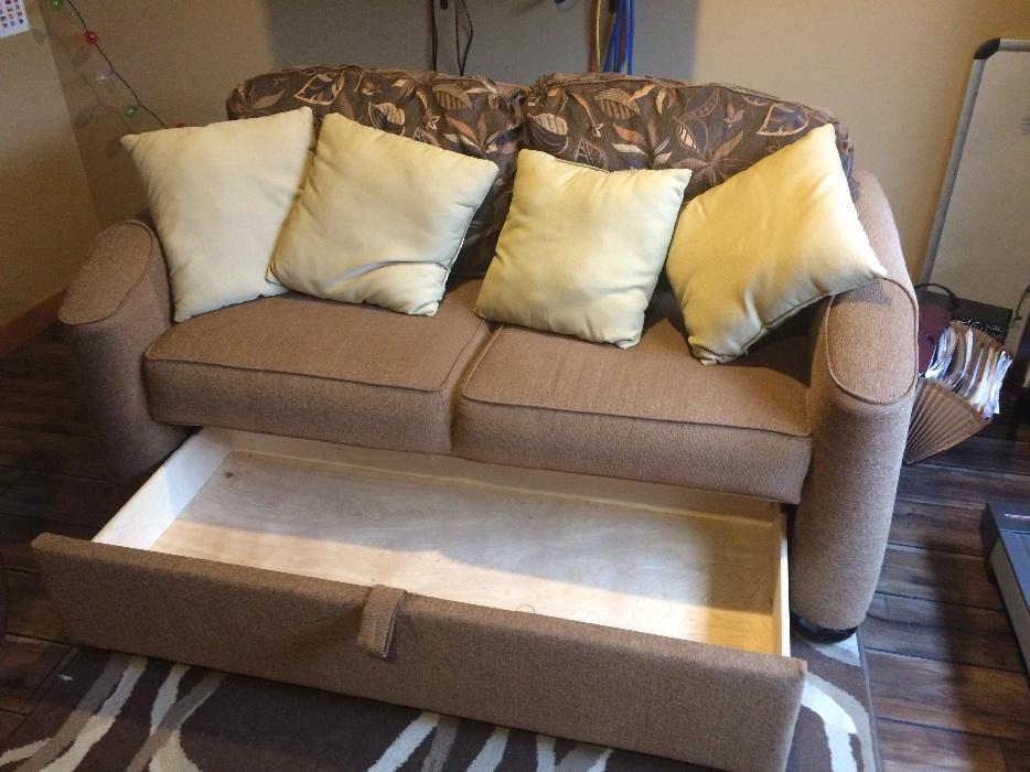 Rv Fold Out Couch Chemainus Cowichan Mobile