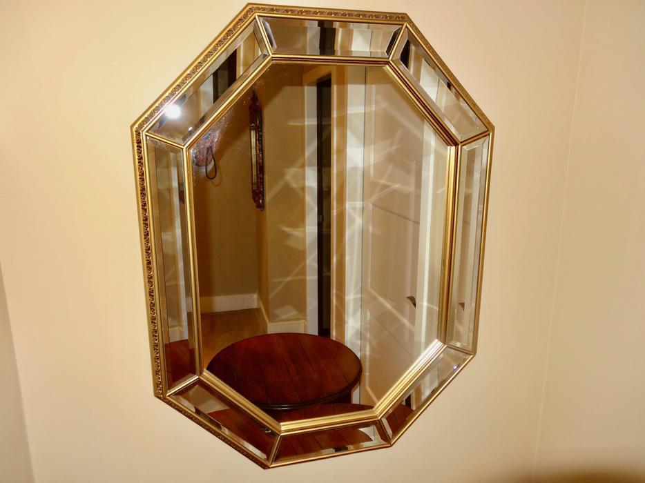 Octagonal decorative beveled mirror north saanich sidney for Octagon beveled mirror