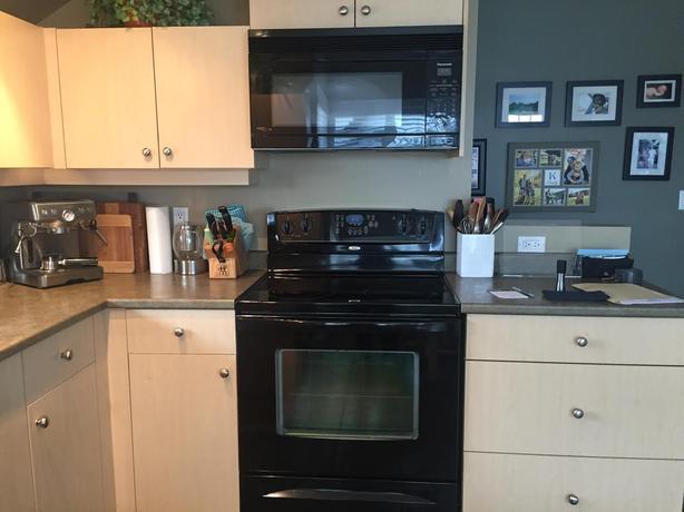 Full kitchen appliances bath vanity for sale victoria for Bathroom appliances