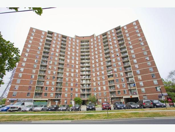 Avail. now Must see  3 bedrooms East York Eastdale Apartments