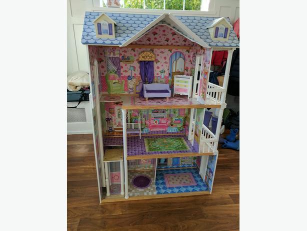 Doll House Oak Bay Victoria