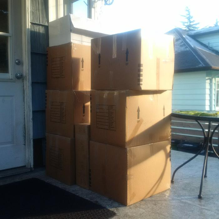 Jul 05, · How to Get Free Moving Boxes. Moving is already a burdensome and costly process, but you can make it easier and slightly cheaper by finding free moving boxes! Instead of spending money and time on buying new boxes, ask around for free ones 67%(6).
