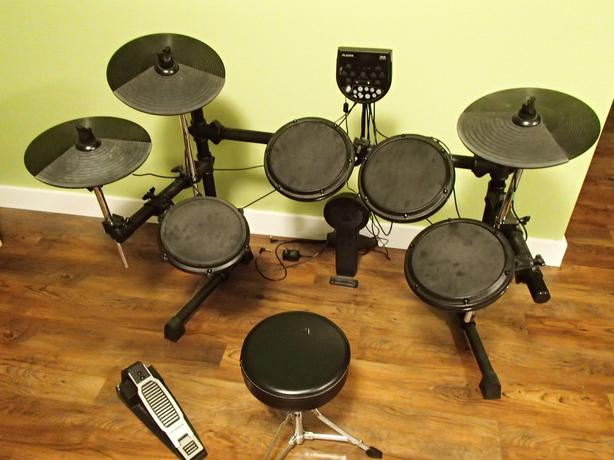 Alesis DM-6 Electronic Drum Set